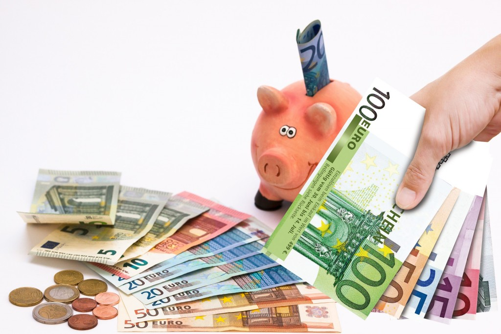 piggy-bank-1047216_1920