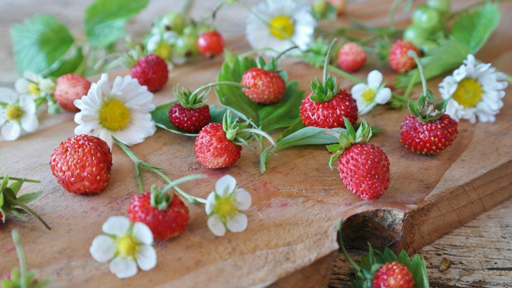 strawberries-1463806_1920