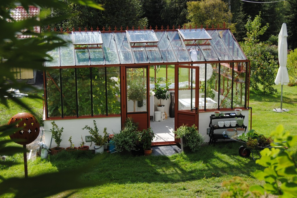 greenhouse-1192872_1920
